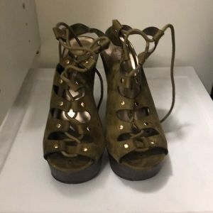 Breckelles army green heels